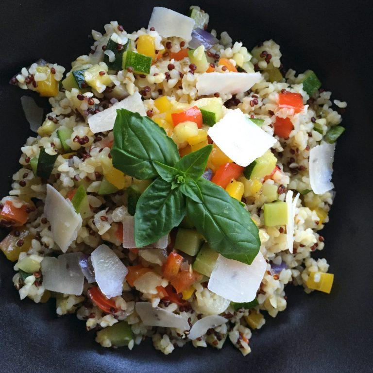 Ricetta Quinoa E Bulgur.Bulgur E Quinoa Con Verdure Estive Pepe Bianco Sale Nero
